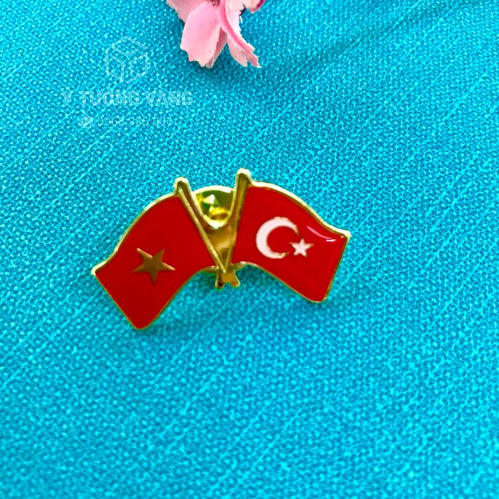 Huy hiệu cờ quốc gia hợp kim đồng phủ thuỷ tinh hữu cơ